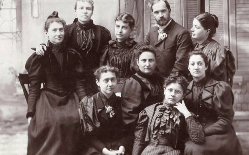 Academic class of 1890 with Professor J.L. Walthart