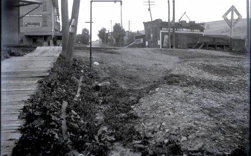 1910 Plank sidewalk